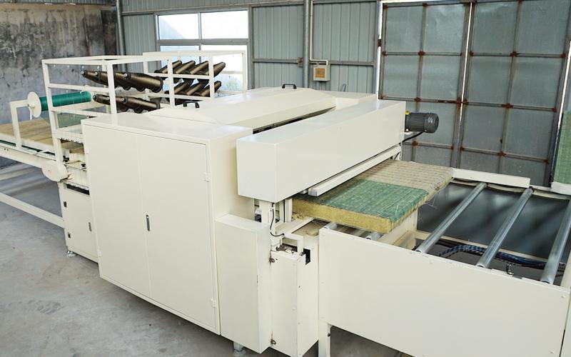 岩棉板缝制机